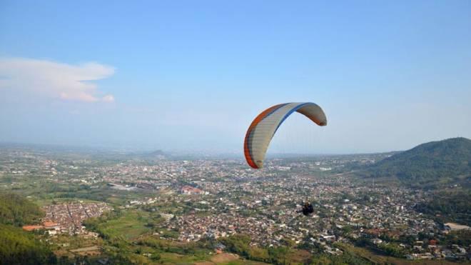 Paralayang Batu - wisata di Malang Batu