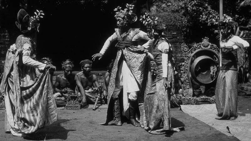 Drama Tari Gambuh Bali