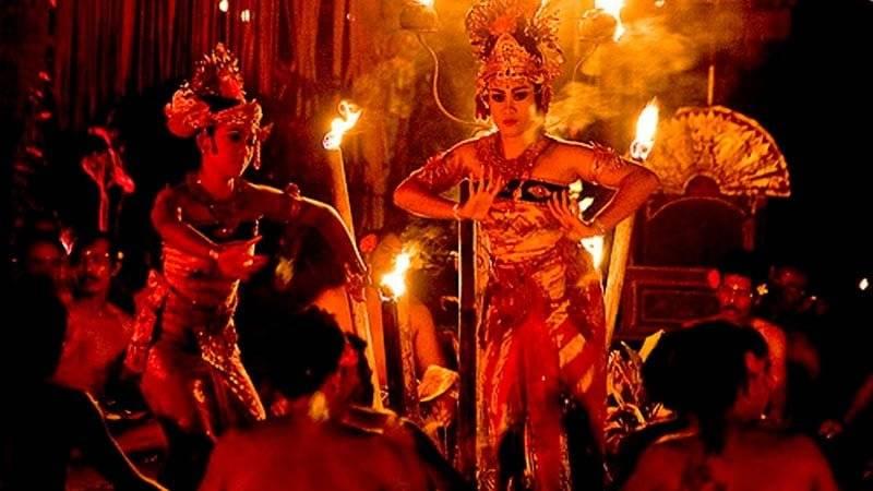 Tari Sanghyang Dedari Bali